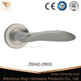 寝室のドアハンドル簡単な亜鉛合金のローズのレバーハンドル(Z6042-ZR03)