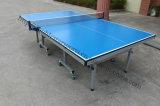 Les installations de l'équipement pour l'extérieur de table de tennis de table