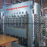 15 Ouverture de la presse à chaud de la machine pour le travail du bois