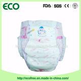 Une couche de bébé jetable jetable