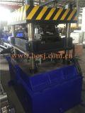 Rolo de aço das prateleiras da exposição dos bens de Supermakret que dá forma à máquina Jeddah da produção