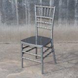 Moderno baratos evento fiesta al aire libre de plata de la boda de metal resina silla Chiavari