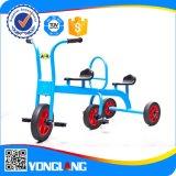 I bambini caldi dell'automobile del bambino di vendita guidano i giochi divertenti doppio Quadricycle