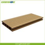 Étage en plastique en bois de Decking selon des normes européennes