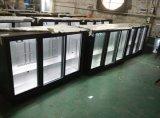 Un comptoir de bar congélateur 3 portes coulissantes