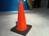 "45cm 18の""黒い基礎適用範囲が広い道路工事の道路交通の安全PVC円錐形"