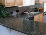 暗い色のホーム台所装飾の石のカウンタートップ