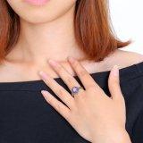 자주색 돌을%s 가진 형식 단순한 설계 보석 반지