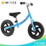 赤ん坊/青いカラーバランスの自転車の2歳/ペダルのバランスの自転車無しのためのWholsaleのバランスのバイク