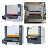 合板の紙やすりで磨く機械