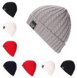 Petit chapeau fait sur commande de Beanie de jacquard de fleur de chanvre, chapeau chaud de l'hiver, chapeau tricoté, chapeau estampé, chapeau de broderie dans la diverse taille, matériau et modèle