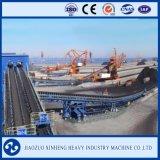 Carvão e mina que seguram o transporte de correia