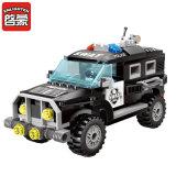 Kind-PlastikPolizeiwagen blockt Spielzeug