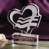 Во многих стилях низкая цена сувенирный стеклянный Crystal трофей