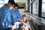 中国製Facotoryのアルミニウムページ枠テーブルライト表示LED蛍光灯