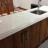 Partie supérieure du comptoir blanche accessible de cuisine de pierre de quartz de Carrare