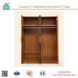 古典的なヨーロッパ式の寝室の家具の熱い販売の純木のワードローブ