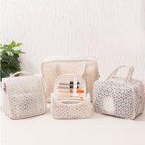 Portable sac mélangé de produit de beauté de taille de modèle de type de lacet de maille de 4 paquets