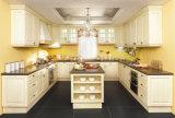 高品質のキャビネットの白いシェーカーのドアの純木の台所食器棚