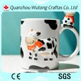 Taza de cerámica del diseño de la vaca de la característica de Holanda para los regalos del turista de la venta