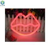 Creative pendurado na parede de neon de noite o lábio de luz LED