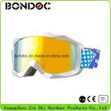 La neige de haute qualité des verres de lunettes de ski anti brouillard