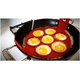 卵のリングの焦げ付き防止のシリコーンの円形の卵のリングのマフィンのパンケーキ型の中心