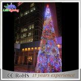 휴일 훈장 거대한 크리스마스 나무 이상으로 상점가