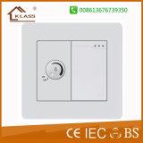 Un interruptor eléctrico de la cuadrilla con el regulador de la velocidad del ventilador