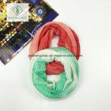 Горячим грелка шеи шарфа безграничности цвета градиента сбывания связанная способом