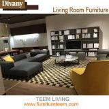Hotel-Vorhalle-Sofa ausgießen