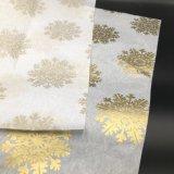 Un pañuelo de papel impreso personalizado con el Blanco y Colores