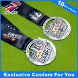 Prix de la médaille de triathlon en alliage de zinc d'argent antique 3D