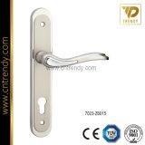 Maniglia europea della serratura di portello con il piatto del cilindro (7024-Z6097)