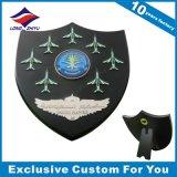 La placa de madera al por mayor del trofeo del blindaje con crea para requisitos particulares
