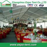 Im Freienwinter-Partei-Zelt mit Isolierungs-Seitenwänden