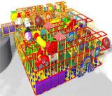 Ânimo playground coberto de diversões para crianças
