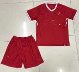 2017 Rojo hígado uniforme de fútbol