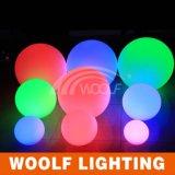 El plástico recargable LED del RGB enciende la bola para arriba iluminada
