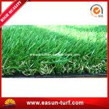 Tappeto erboso artificiale dell'erba di paesaggio morbido di alta qualità per il giardino