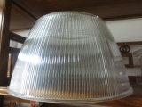 Molde de plástico para a lâmpada sombra no lixo doméstico