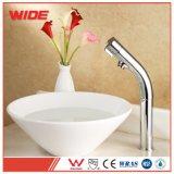 Taraud d'eau de cuivre simple moderne de bassin, robinet de lavabo élevé de modèle aérodynamique Kaiping