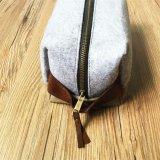 Kundenspezifischer neuer Entwurfs-Segeltuch Dopp Installationssatz mit dem Leder, das en gros hängt