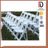 Commerce de gros bon marché noir et blanc chaise pliante de résine pour mariage en plein air (BR-P082)
