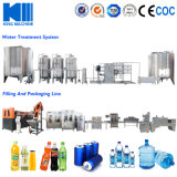 El agua de soda/desencadenando la máquina de llenado de agua
