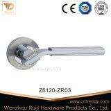 方法新しいデザイン(Z6117-ZR11)の亜鉛ハードウェアロックのドアハンドル
