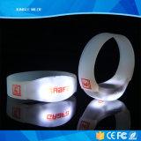 Preiswerter ferngesteuerter LED Wristband-Preis des Konzert-Bevorzugungs-Zonen-Steuer