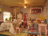 2018 Venta al por mayor de la fábrica de madera bricolaje casa en miniatura