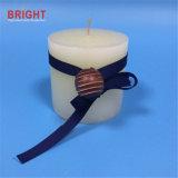 Weiße flache Marine-Farbband-Pfosten-Kerze mit hölzernen Raupen