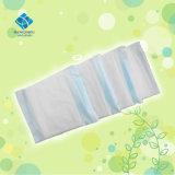 高い吸囚性の低価格の衛生タオル